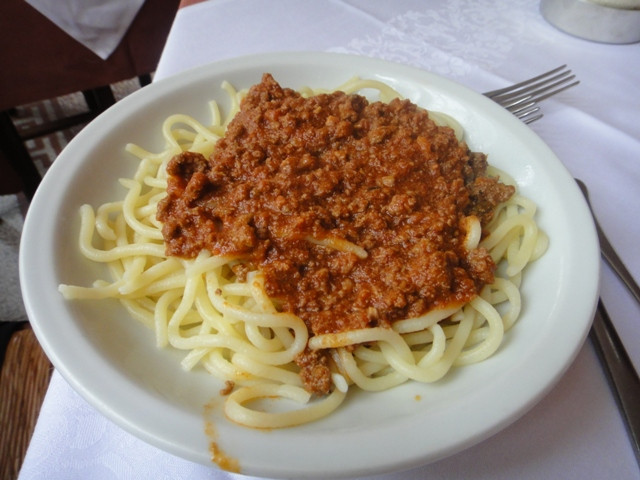10-5-10%20Lunch%20in%20Montalcino-Il%20Moro%20Pici%20with%20Meat%20Ragu.jpg