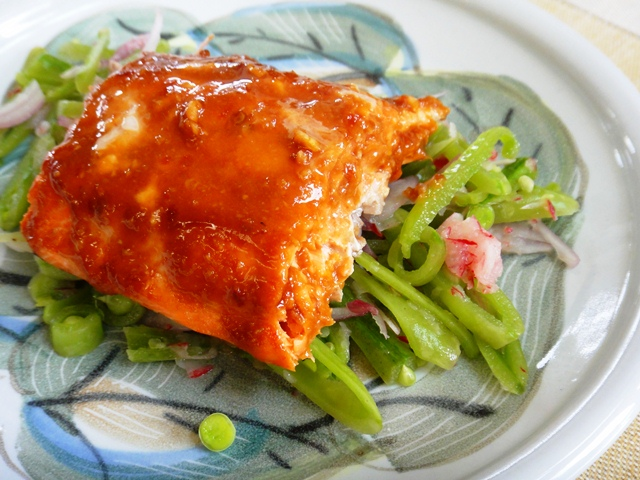 8-27-12%20Barbeque%20Salmon%20and%20Snap%20Pea%20Slaw.jpg