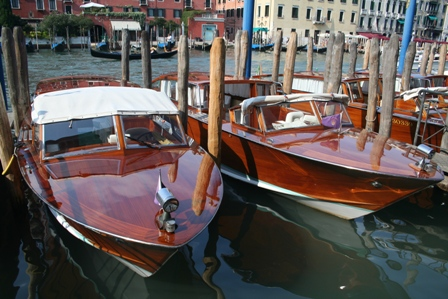 Beatuiful%20teak%20boats%20in%20Venice.JPG