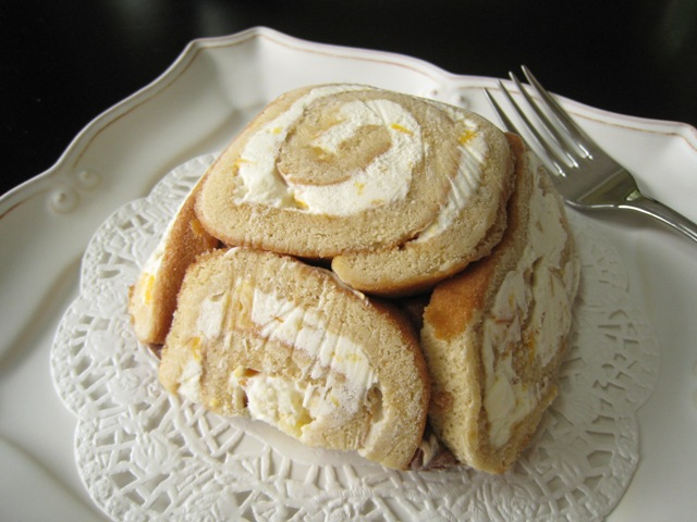 Cake%20and%20Ice%20Cream%20Roll.JPG