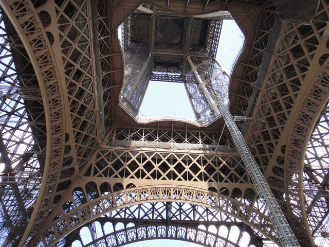 Eifel%20Tower%202.jpg