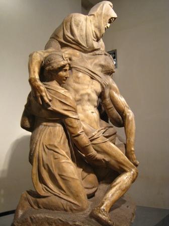 Michelangelo%27s%20Pieta%27%203.JPG