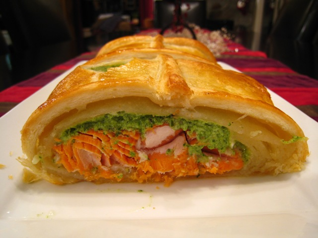 November%20salmon%20in%20pastry-inside.JPG