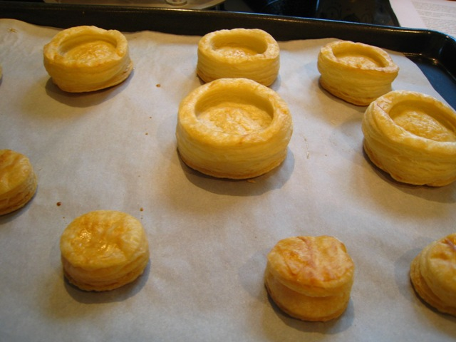 Puff%20Pastry-unfilled%20vol%20au%20vents.JPG