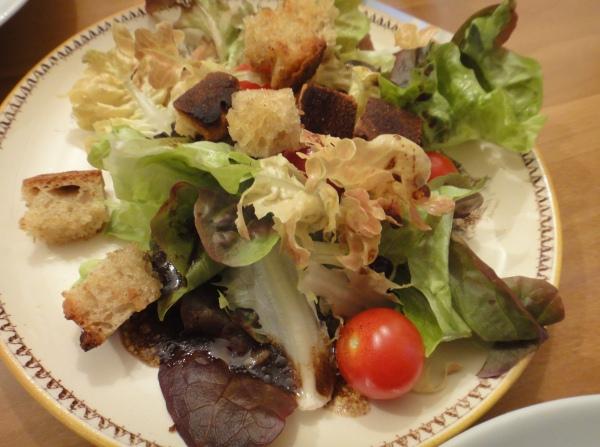 Salad%20with%20market%20ingredients.jpg