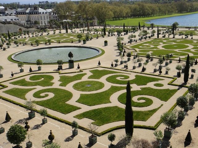 Versailles%20Gardens8.jpg